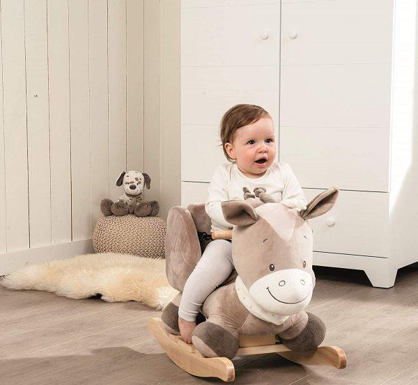 Cheval à bascule de la marque Nattou qui s'appelle Noa le cheval.