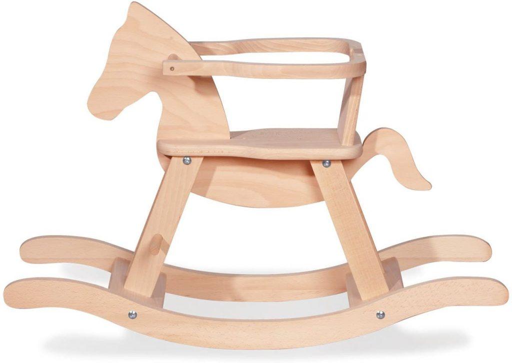Le cheval à bascule Pinolino est en bois ce qui lui donne un aspect authentique.