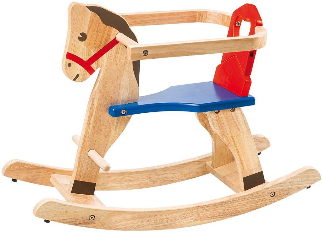 Ce cheval à bascule en bois a un arceau amovible.